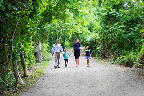 outdoor family portrait sessions long island